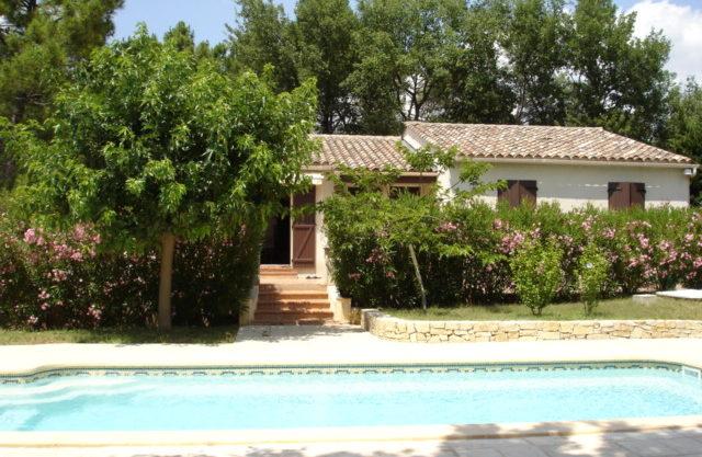 Villa provençale 120 m² plain-pied + piscine Villecroze