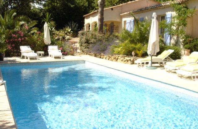 Tourtour villa adaptée chambres d'hôtes