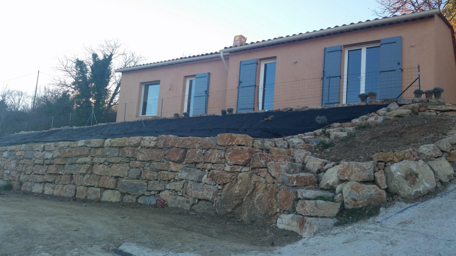 Villa 3 chambres à louer Salernes.