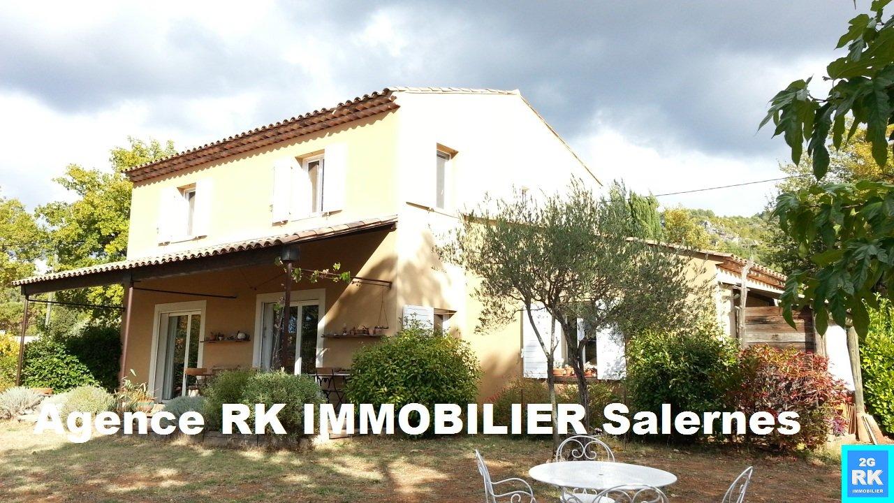 Villecroze, villa de qualité 3 chambres proche village.