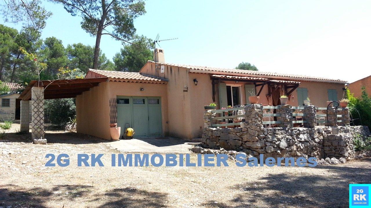Villa Salernes plain-pied 98 m², 3 chambres + garage.