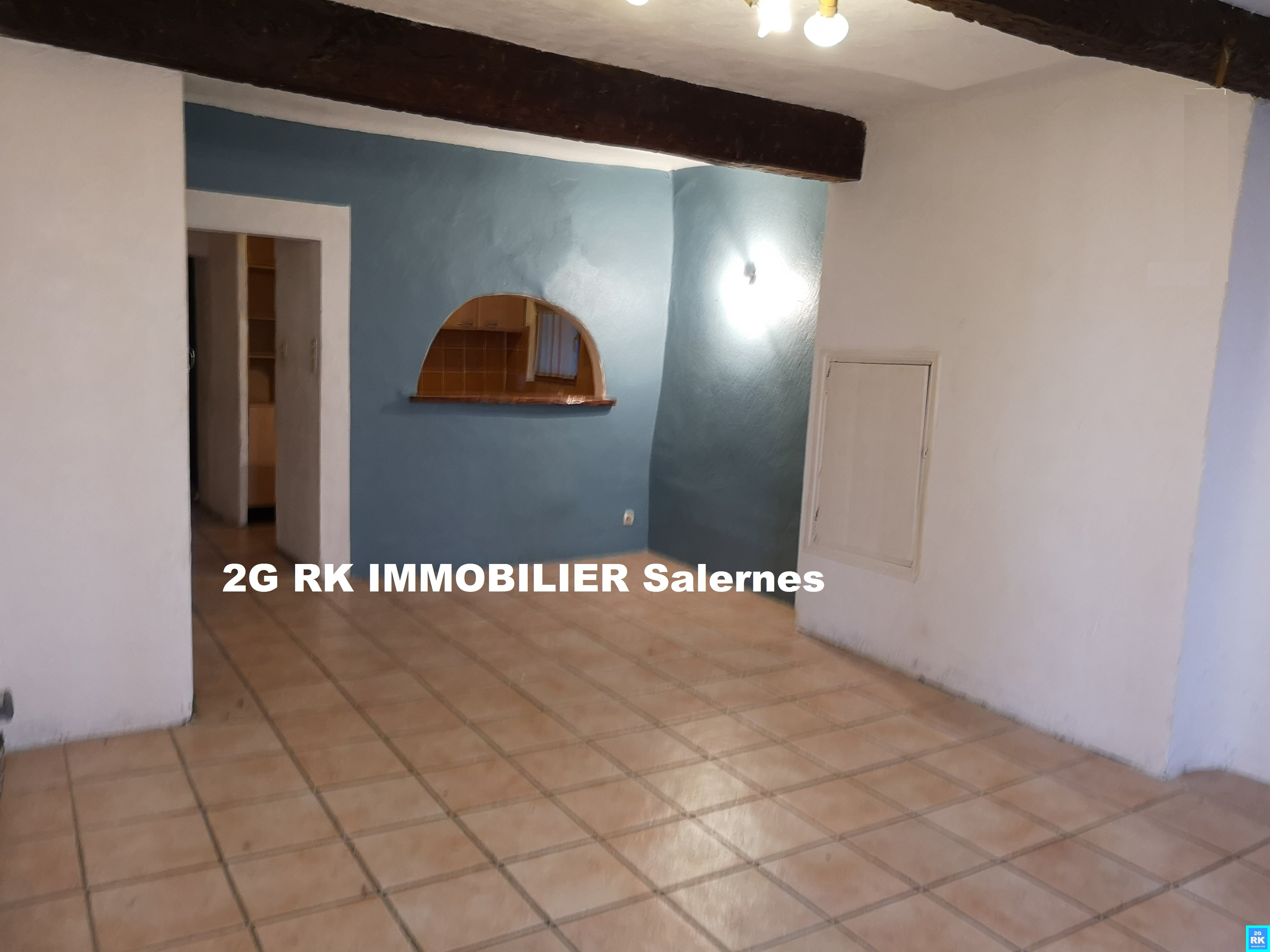 Appartement T3 centre Salernes 55 m².