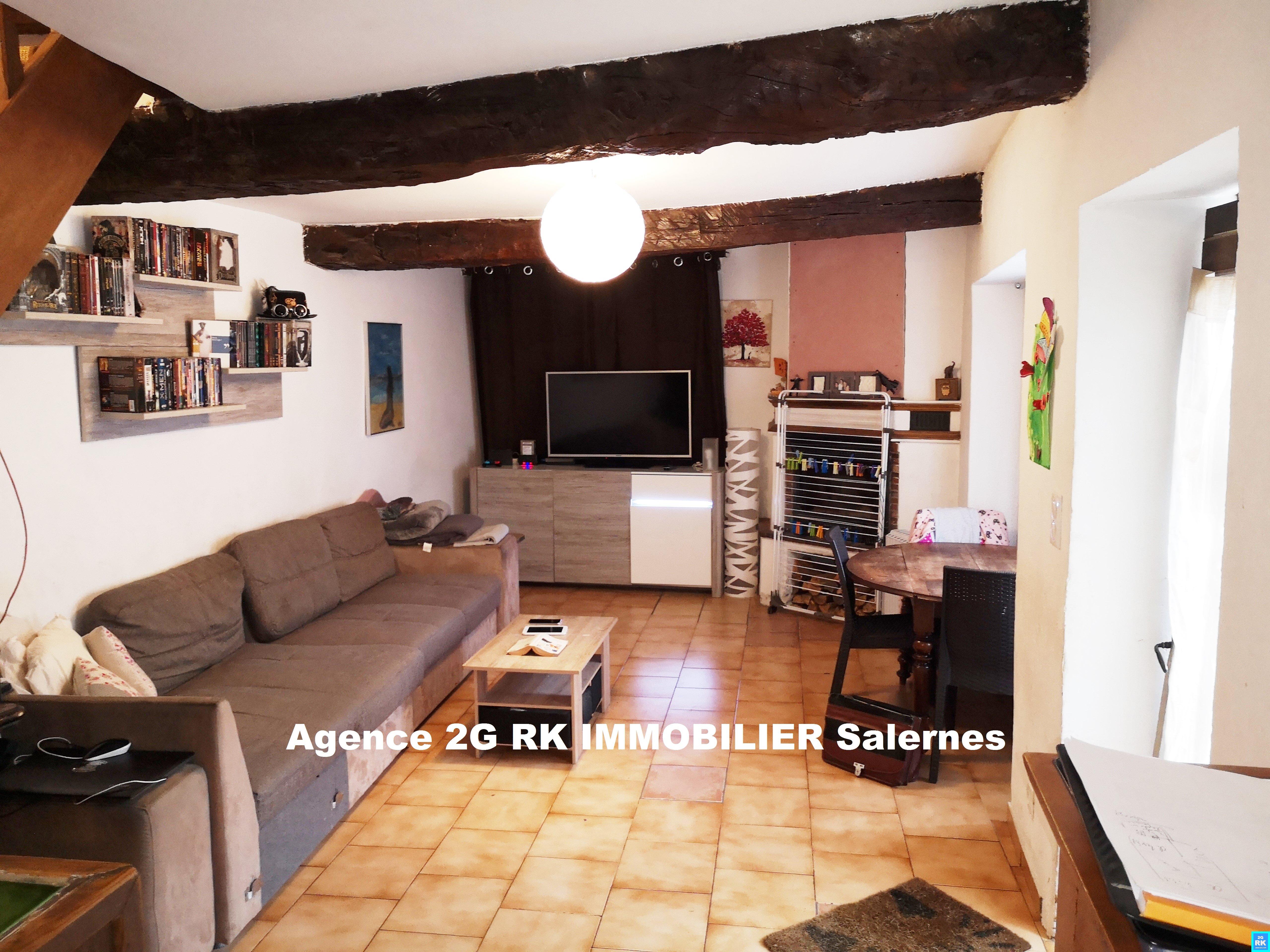 Maison de village 80 m², 2 chambres et terrasse.