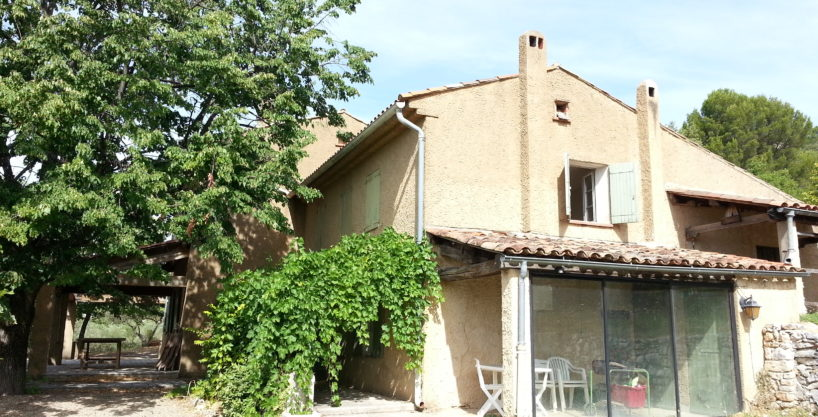 Petite propriété 10 000 m² avec maison de campagne 160 m².
