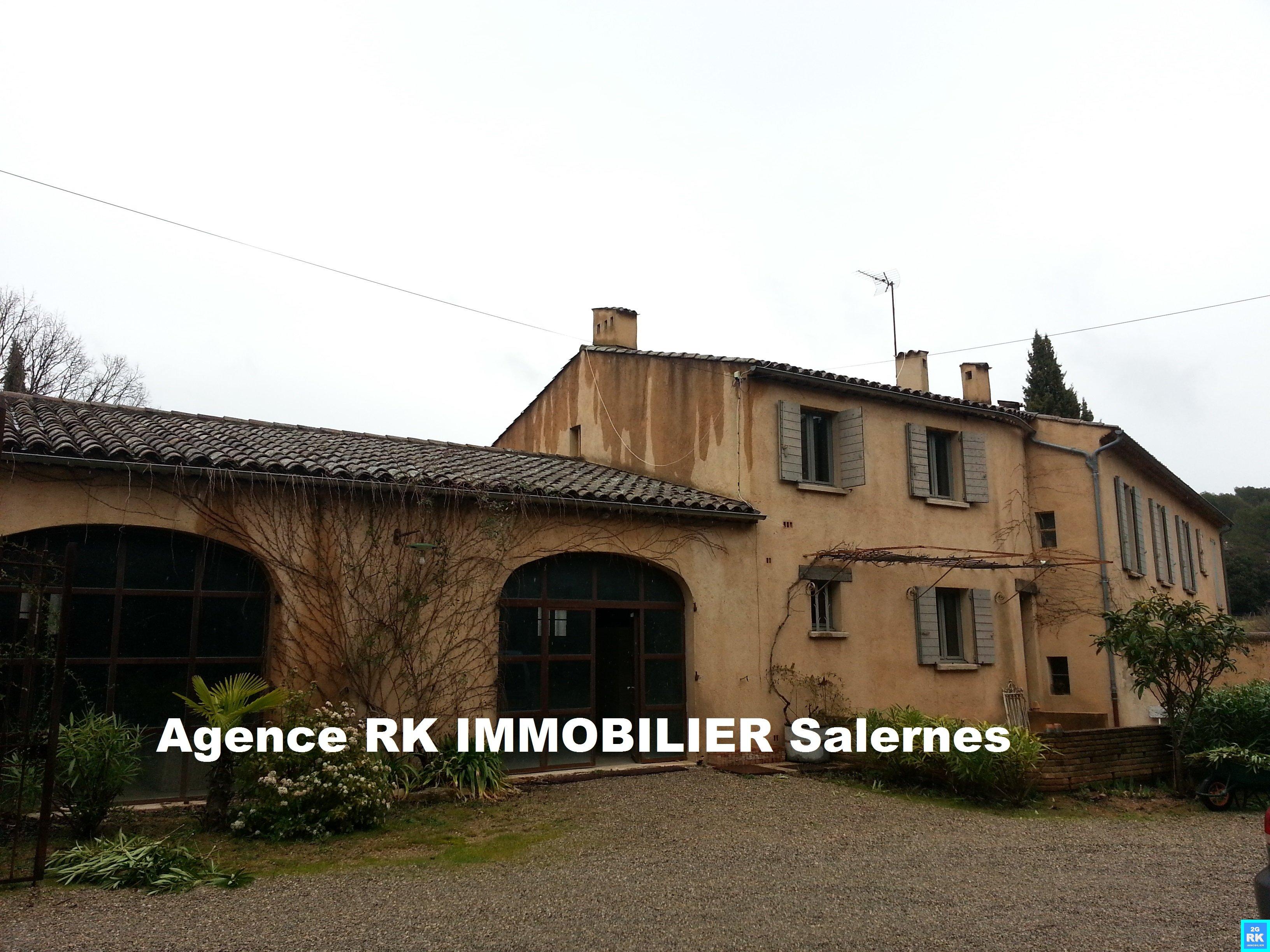 Proche Salernes jolie bastide 250 m² rénovée