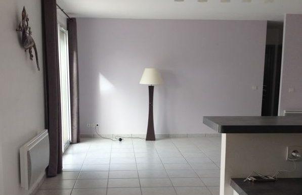location 1300 € Salernes 2 revue