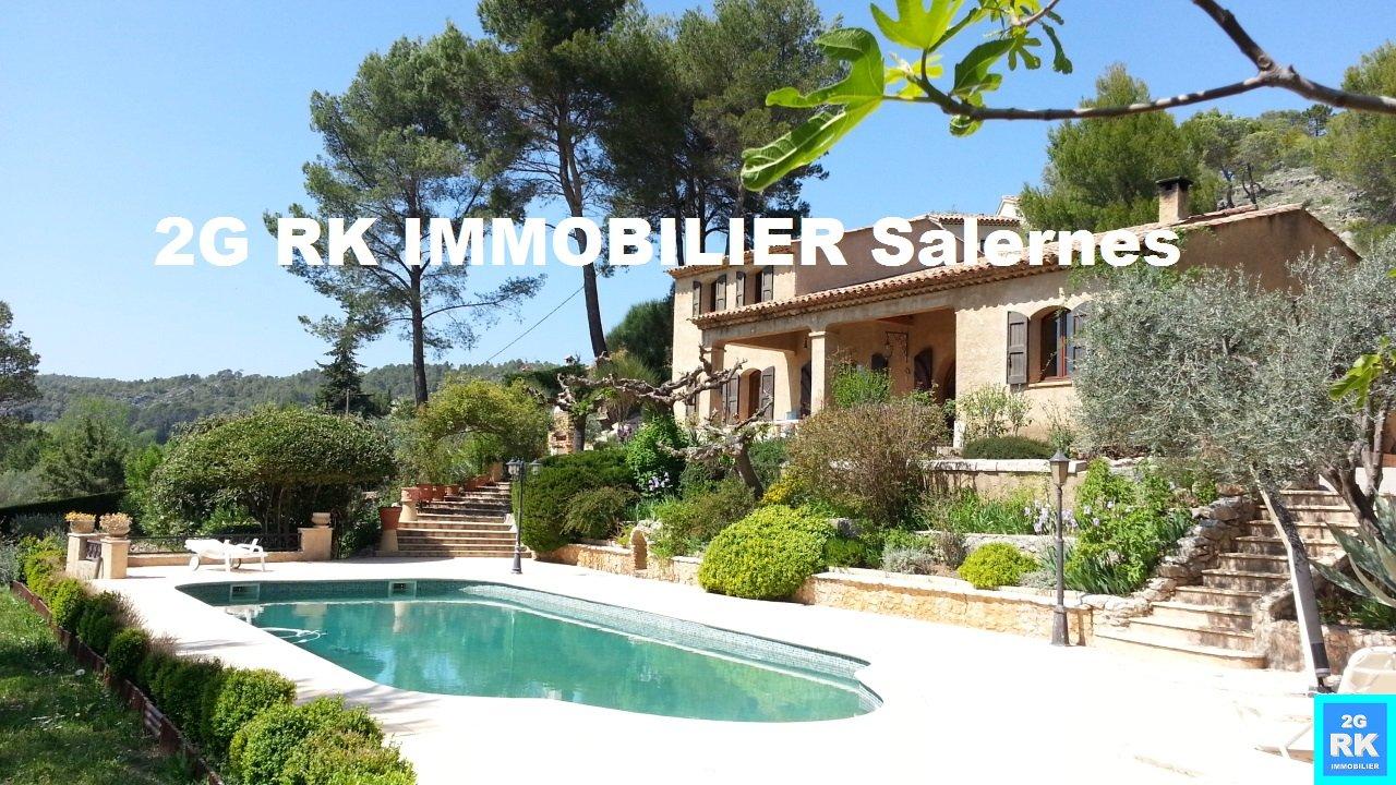 Villa de standing + piscine à Villecroze
