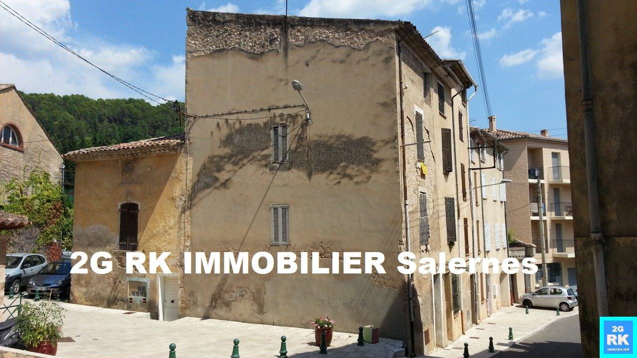 Maison de village 100 m² Salernes à rénover.