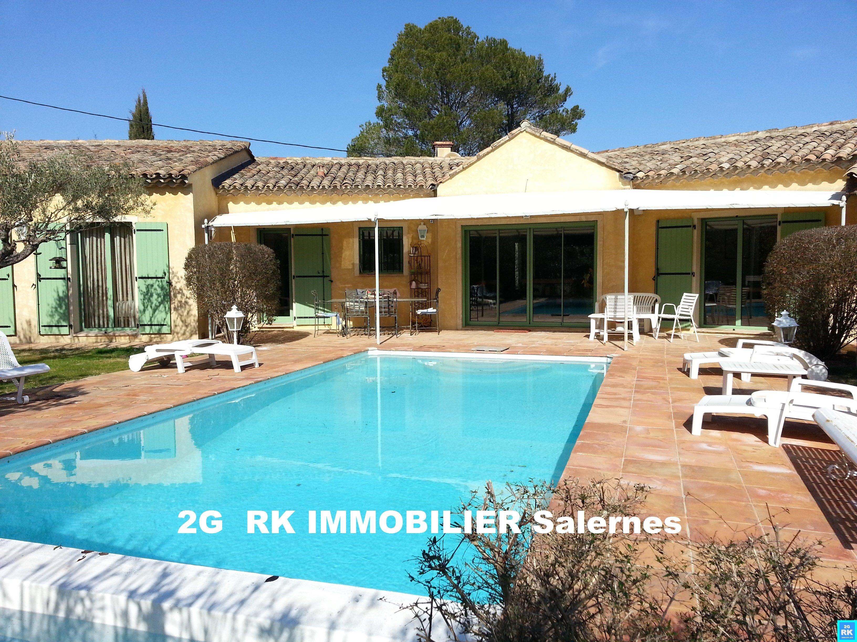 Salernes villa d'architecte 210 m² avec piscine.