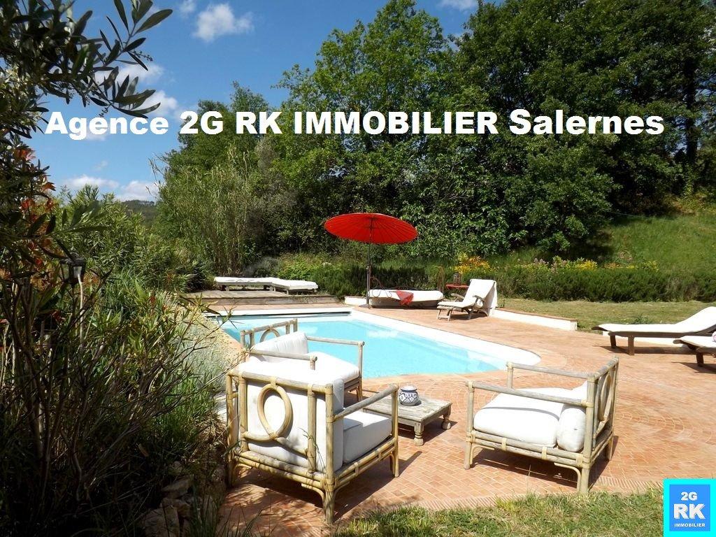 Villa de caractère 130 m², 3 chambres et piscine à Salernes.