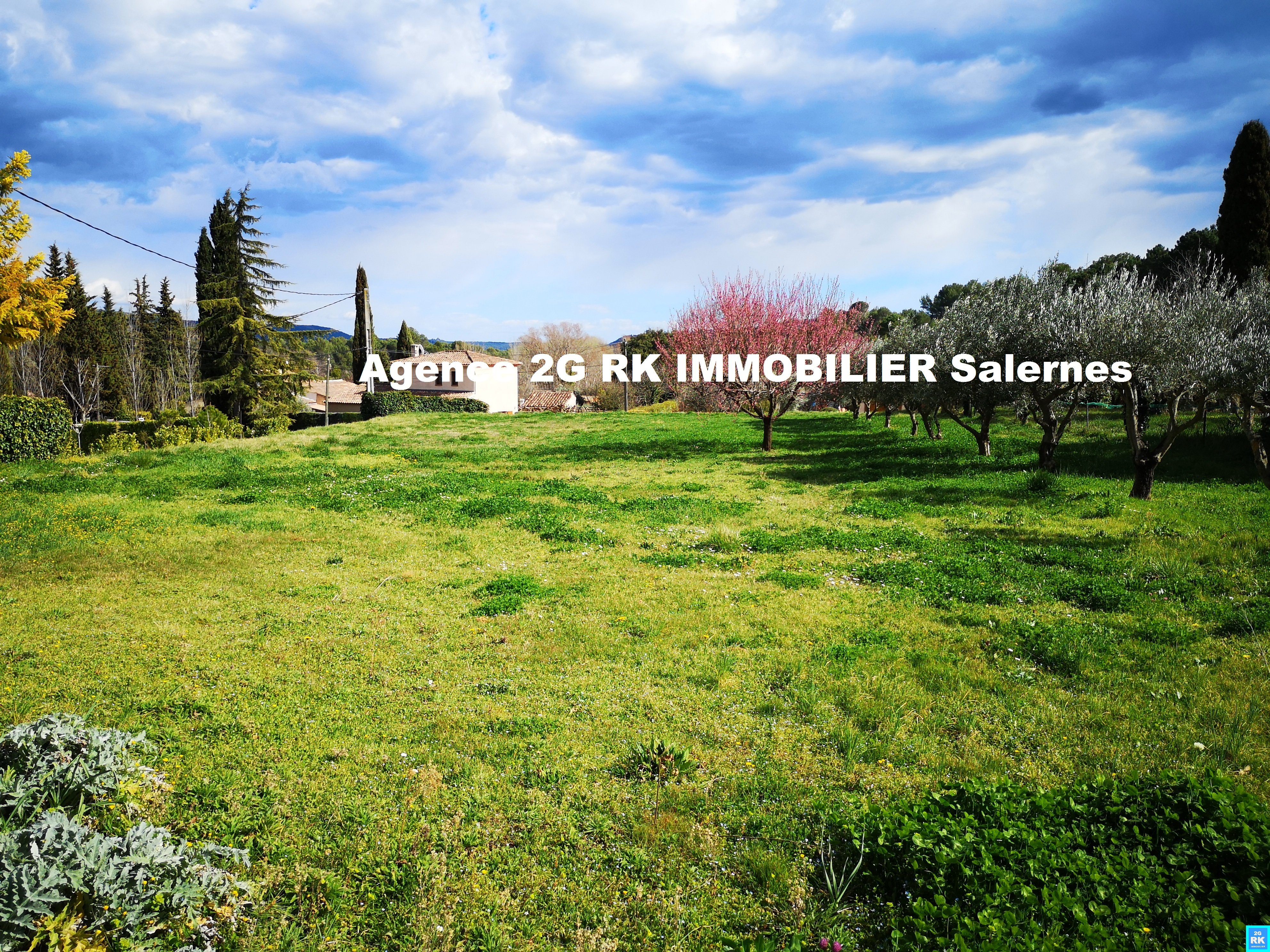 Terrain à bâtir 1 331 m² Salernes campagne.